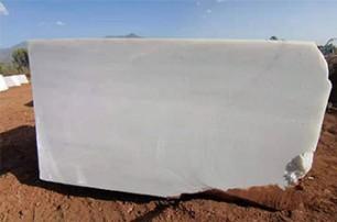区分天然石材与人造石材